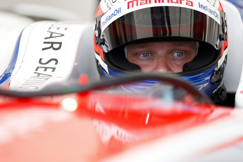 Rosenqvist ahead of Evans by 0.054s in second practice