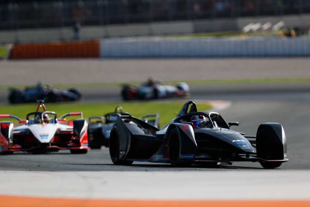 Lopez – Manufacturers entering Formula E 'hurts' Dragon