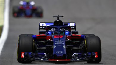 Photo of Hartley left annoyed after Toro Rosso team orders gaffe