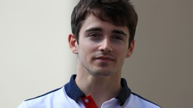 Photo of Leclerc wins Rookie of the Year for second season running
