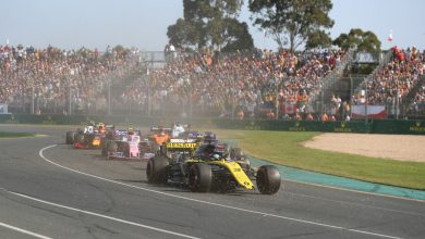 Photo of Ricciardo's home race thwarted by wing damage
