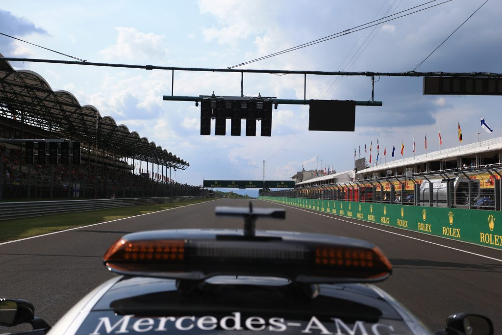 Hungarian starting grid - Safety Car Lights