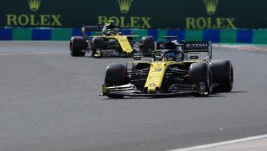 Photo of Grid penalties for both Renaults, Albon & Kvyat