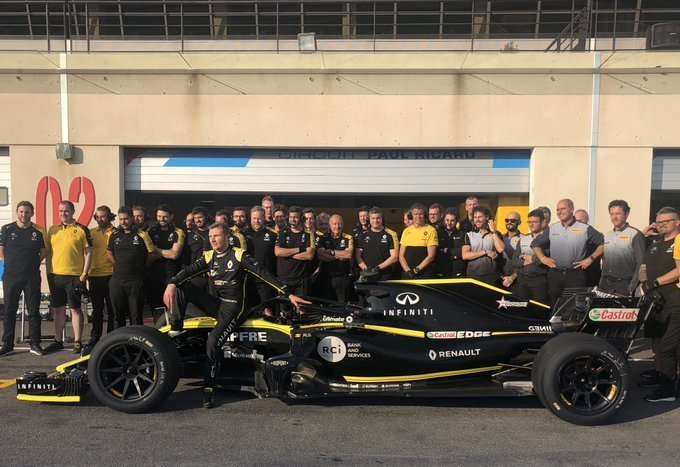 F1 Tyre testing 18 Pirelli Sirotkin test