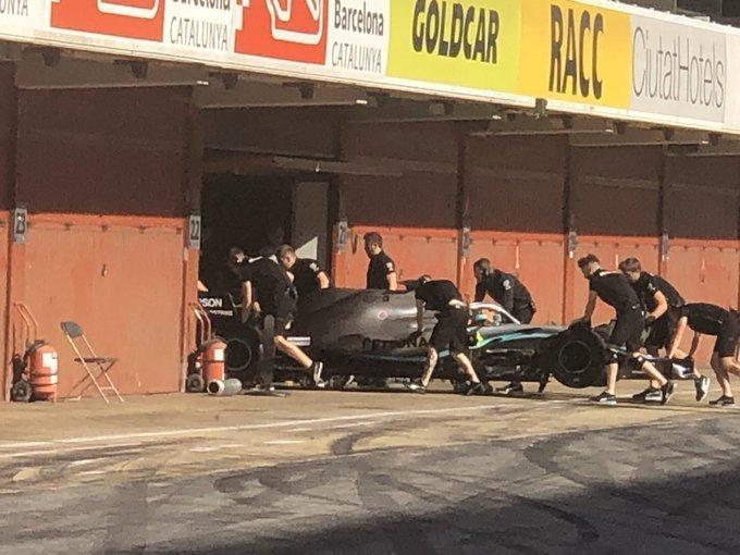 F1 Formula 1 Testing tyre test Pirelli Mercedes