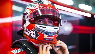 Photo of Leclerc says first stint tyres 'much better' than second
