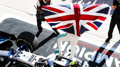 Photo of Lewis Hamilton crowned World Champion for the sixth time