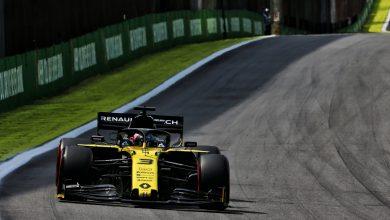 Photo of Ricciardo apologetic over Magnussen clash