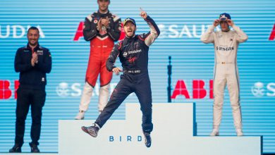 Photo of Bird wins as Mercedes and Porsche make their mark