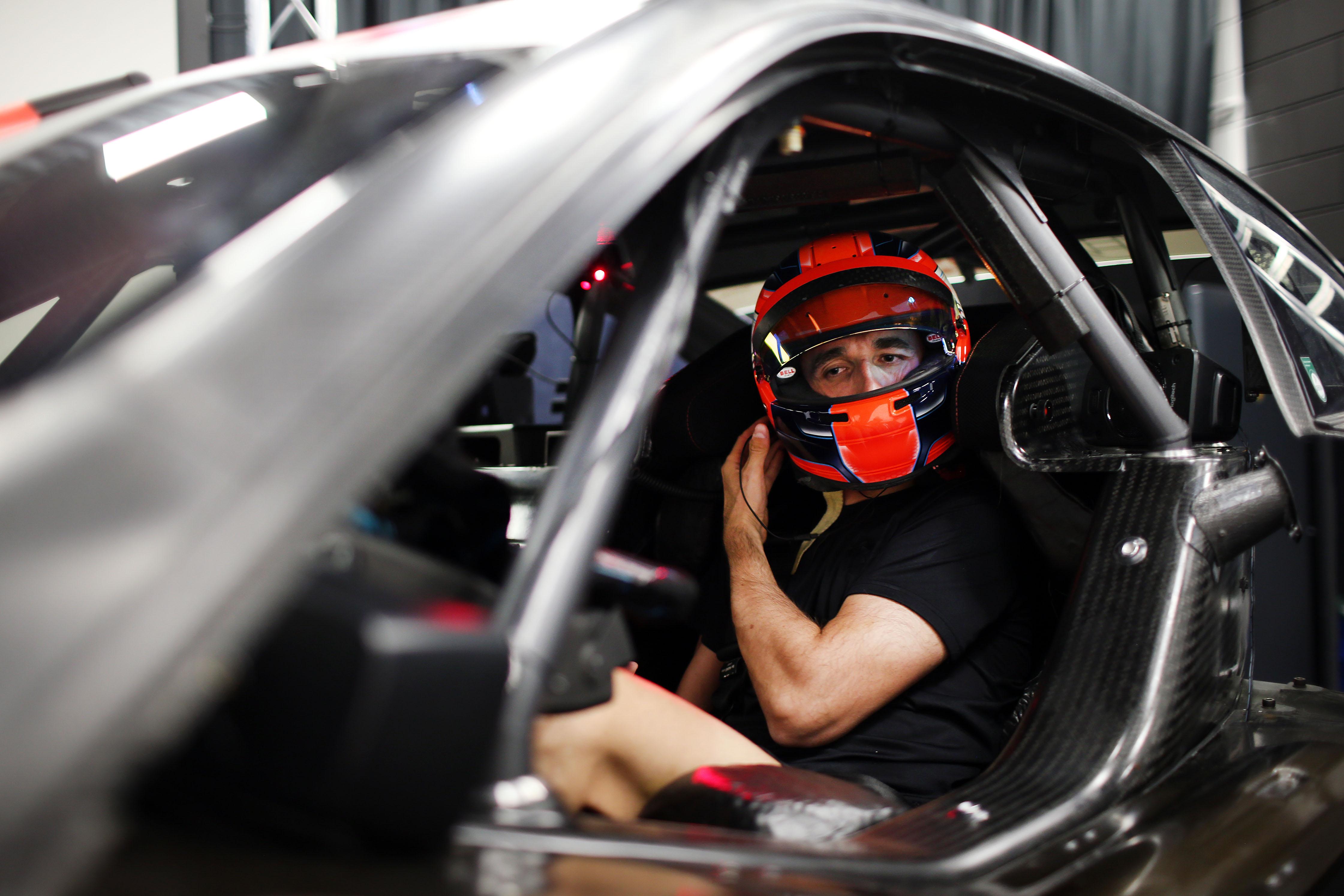 F1 Formula 1 Formula One DTM Robert Kubica BMW MW DTM