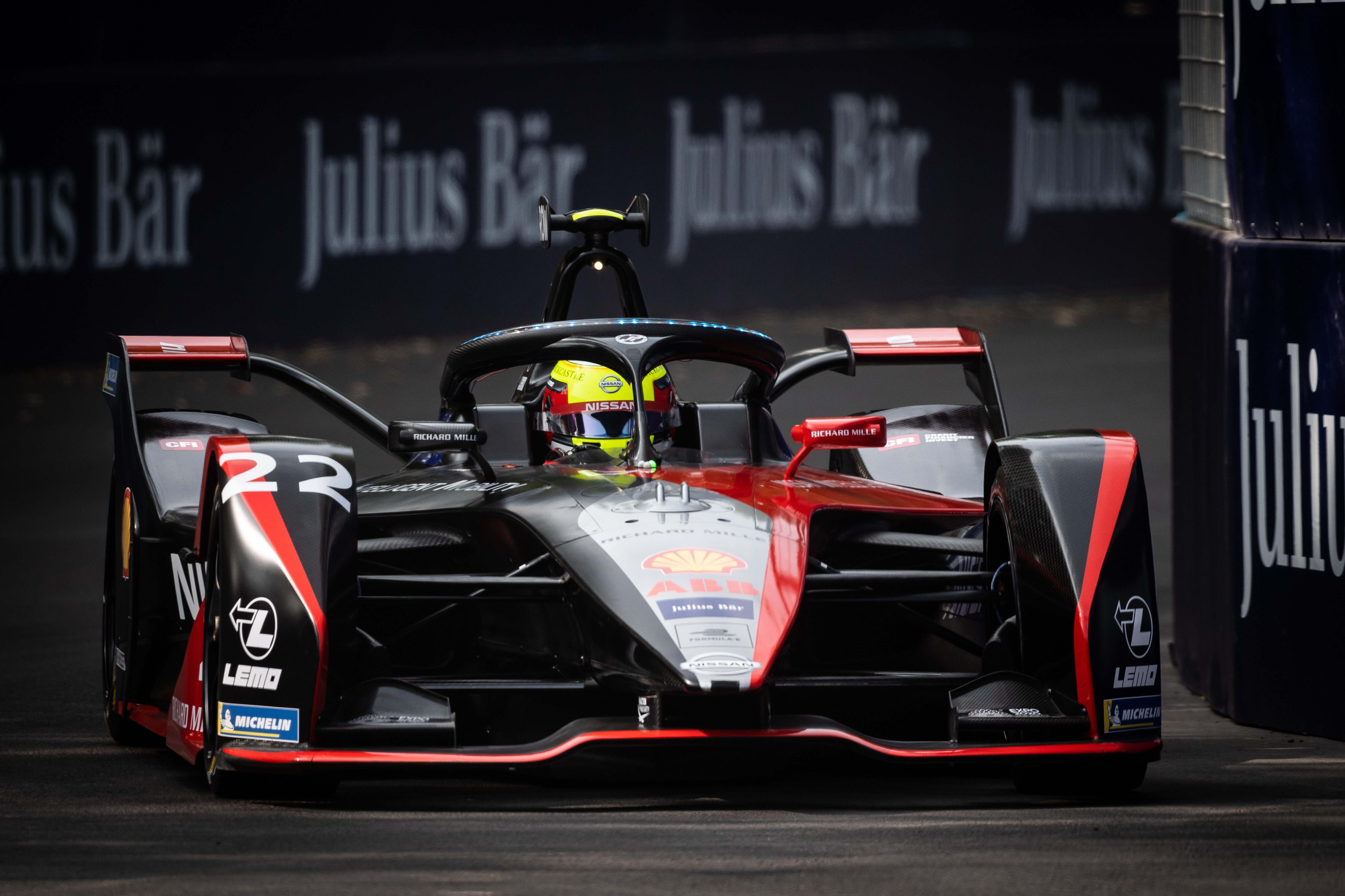 Rowland fastest in shortened second practice