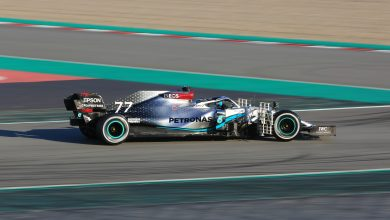 Photo of Bottas leads the way on opening morning of testing
