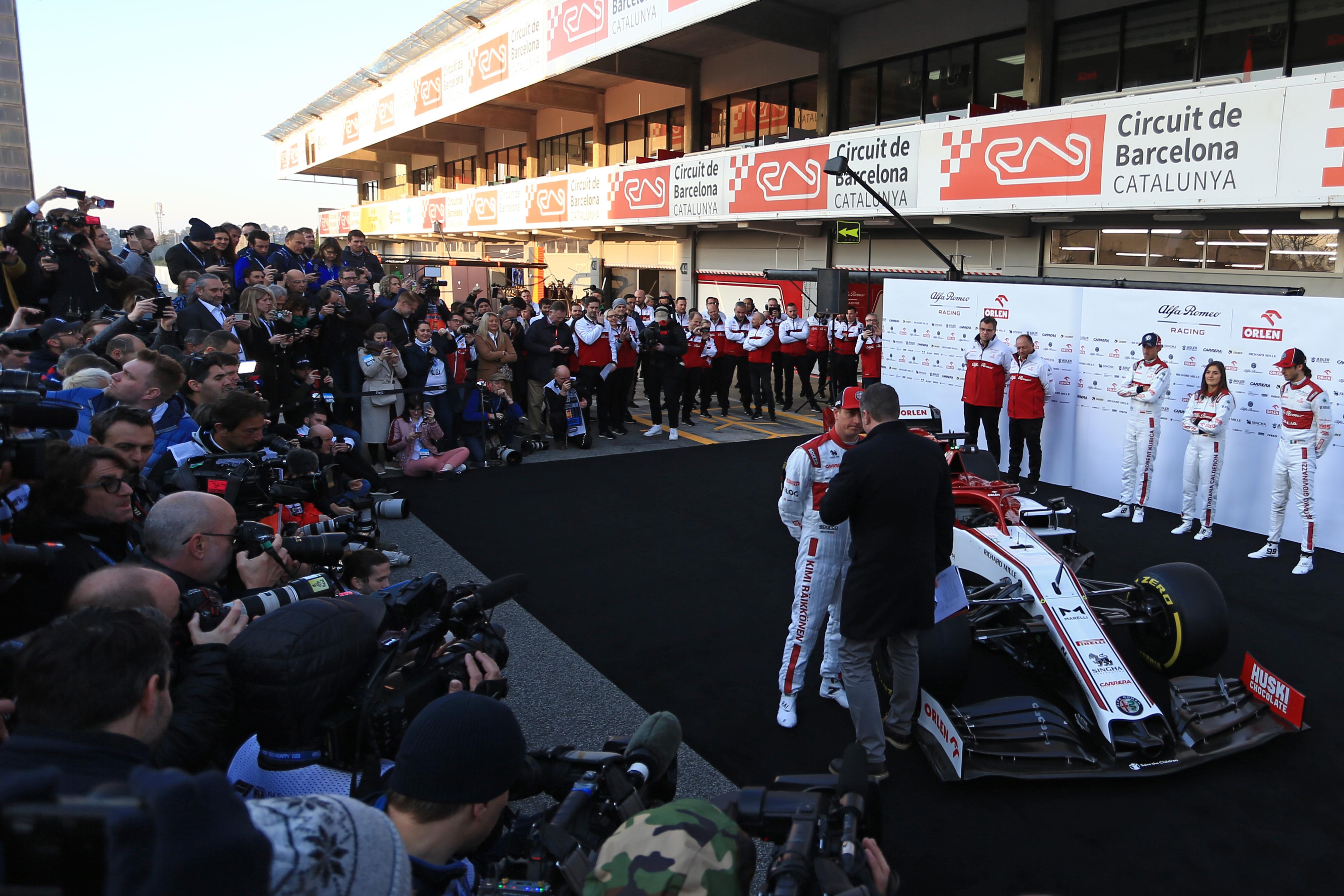 F1 Formula 1 Alfa Romeo C39 launch