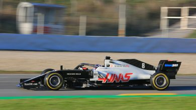 Photo of Magnussen 'flat out' in Turn 9 on second lap in new Haas