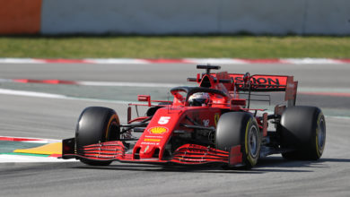 Photo of Vettel quickest while Mercedes break down
