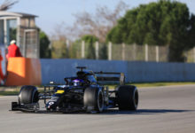 Photo of Ricciardo quickest on final morning of testing