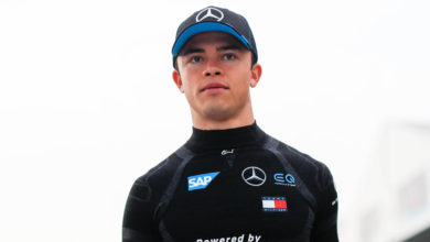 "Photo of De Vries looks forward after ""difficult"" weekend in Mexico"