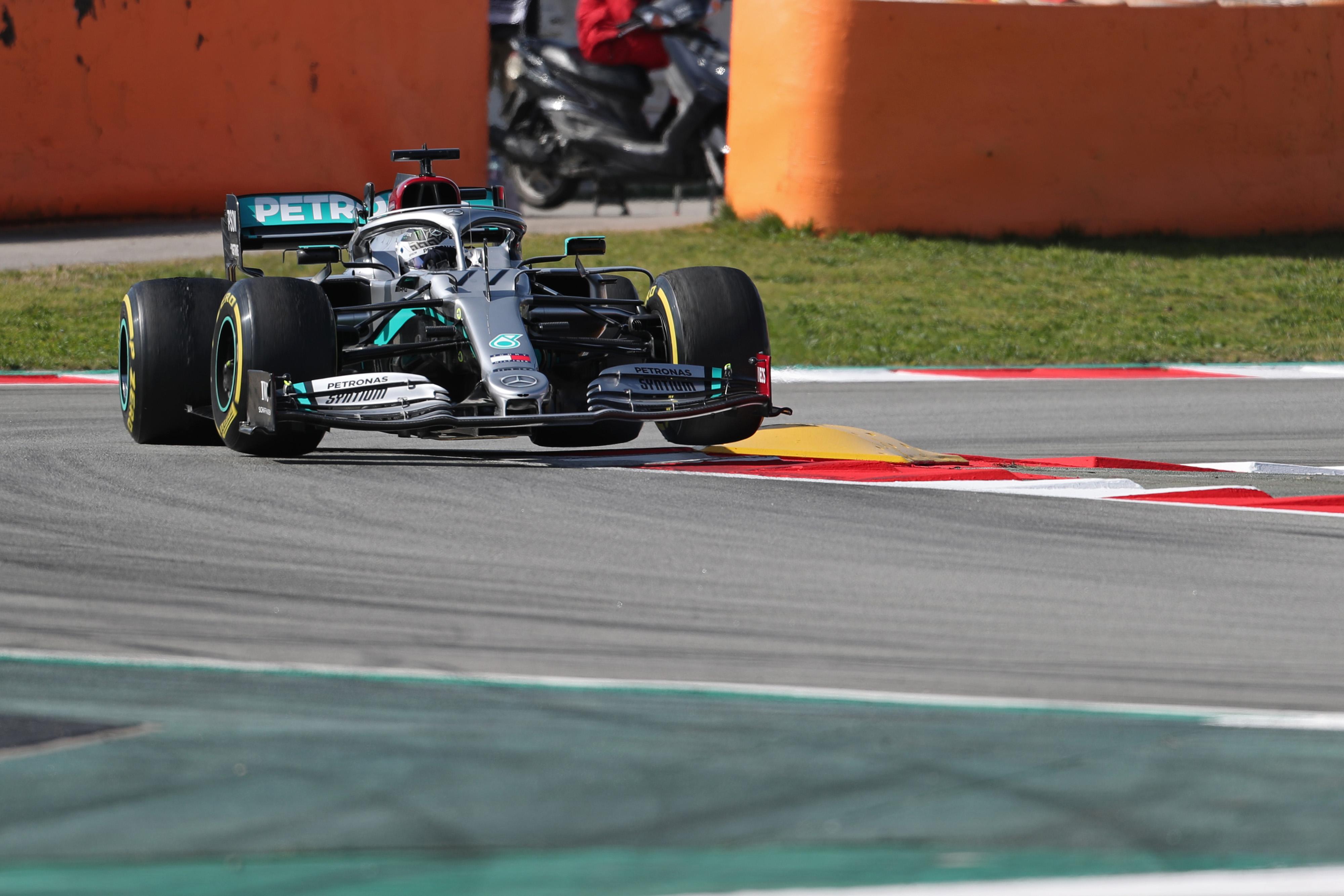 F1 Formula 1 Testing Valtteri Bottas Mercedes Max Verstappen Red bull Racing