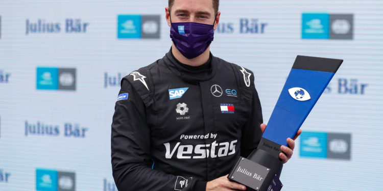 Vandoorne on pole for the final race of the season