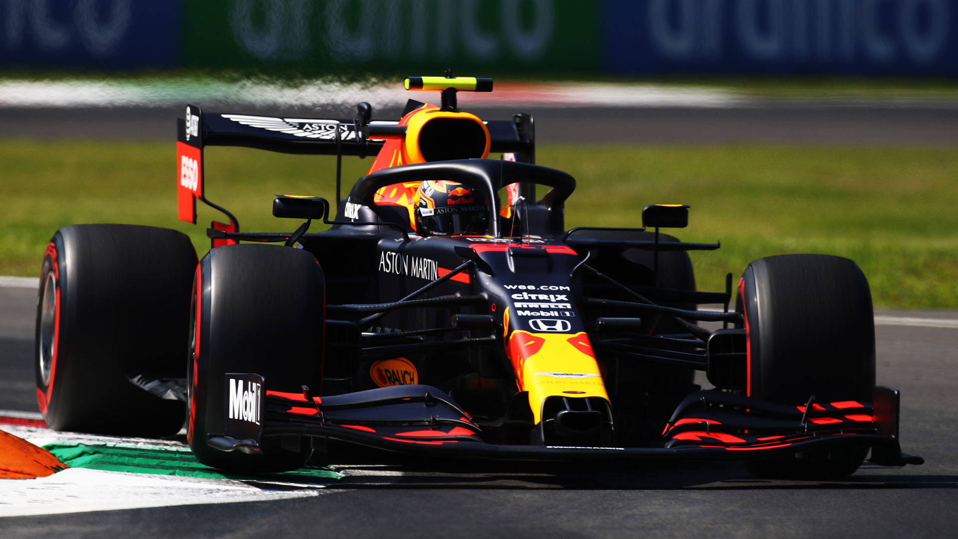 Formula 1 Albon Racing With Different Spec Parts To Verstappen
