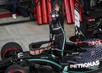 F1 Formula 1 Lewis Hamilton Mercedes penalty
