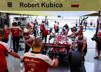F1 Formula 1 Robert Kubica Callum Ilott Alfa Romeo Abu Dhabi grand prix test