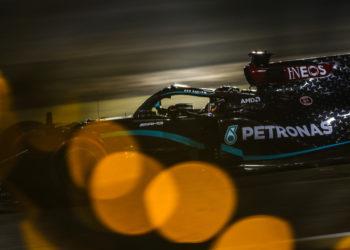 F1 Formula 1 Mercedes Lewis Hamilton 2021 contract