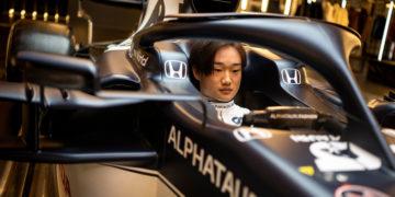 F1 Formula 1 Yuki Tsunoda Japanese Alpha Tauri at02 pIERRE gasly
