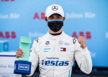 De Vries flies to first Formula E pole