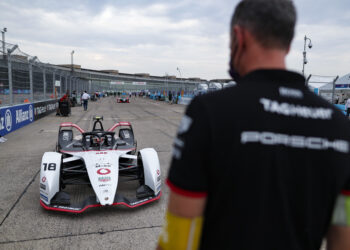 Porsche commit to Formula E's Gen3 era