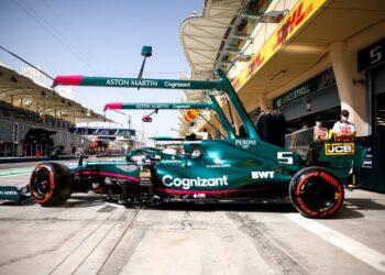Vettel handed grid penalty for yellow flag infringement