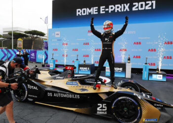 Vergne takes the win as the race ends under Safety Car