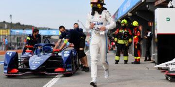 Vandoorne loses pole due to tyre infringement