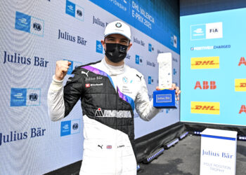 BMW's rookie Jake Dennis takes pole for Valencia race 2