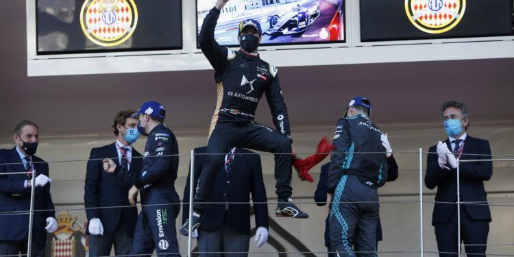 Last-lap pass seals Monaco victory for da Costa