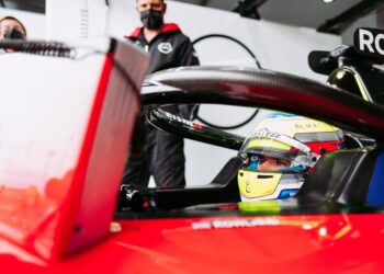 Rowland quickest for Nissan in both practice sessions