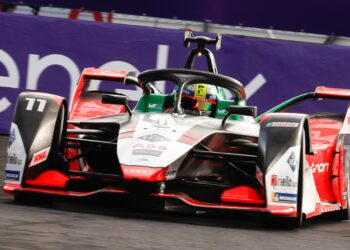 Di Grassi wins after dominant Wehrlein disqualified