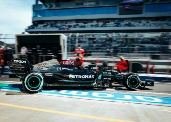 Bottas and Mercedes on top in Sochi first practice