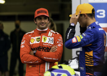 """Sainz: """"I'm going to try and pass him"""""""