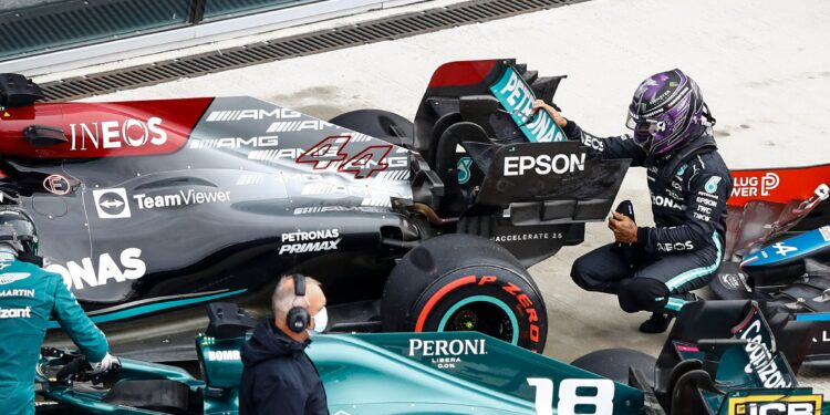 """Hamilton """"incredibly disappointed"""" with himself for pitlane error"""